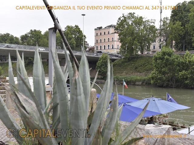 Barcone sul Tevere Roma 1